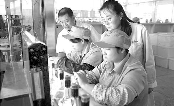 内蒙古:智能白酒生产系统 构筑食安新防线