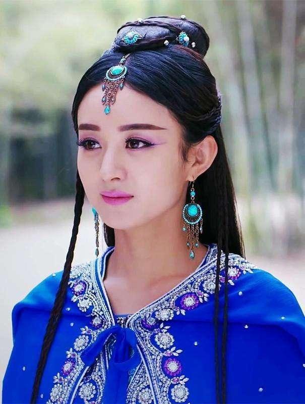 听说蓝色古装才最能体现美,杨幂赵丽颖关晓彤,你觉得谁最美呢?