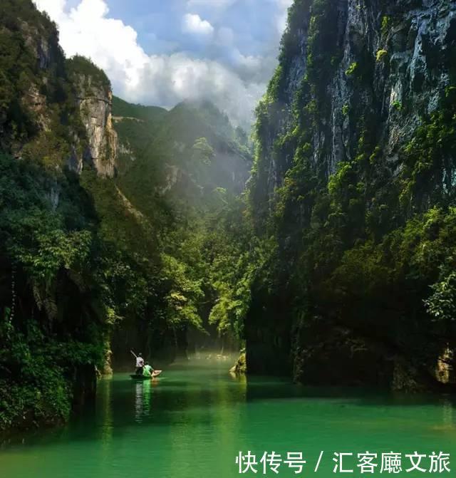 建始县石门河 世界第一古人中国第一古河 这里是漫山遍野的花,泉水叮