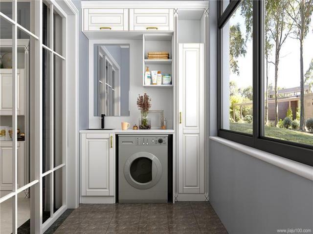 主卧的定制衣柜是亮点,梳妆台,圆弧柜和收纳区分区设计.
