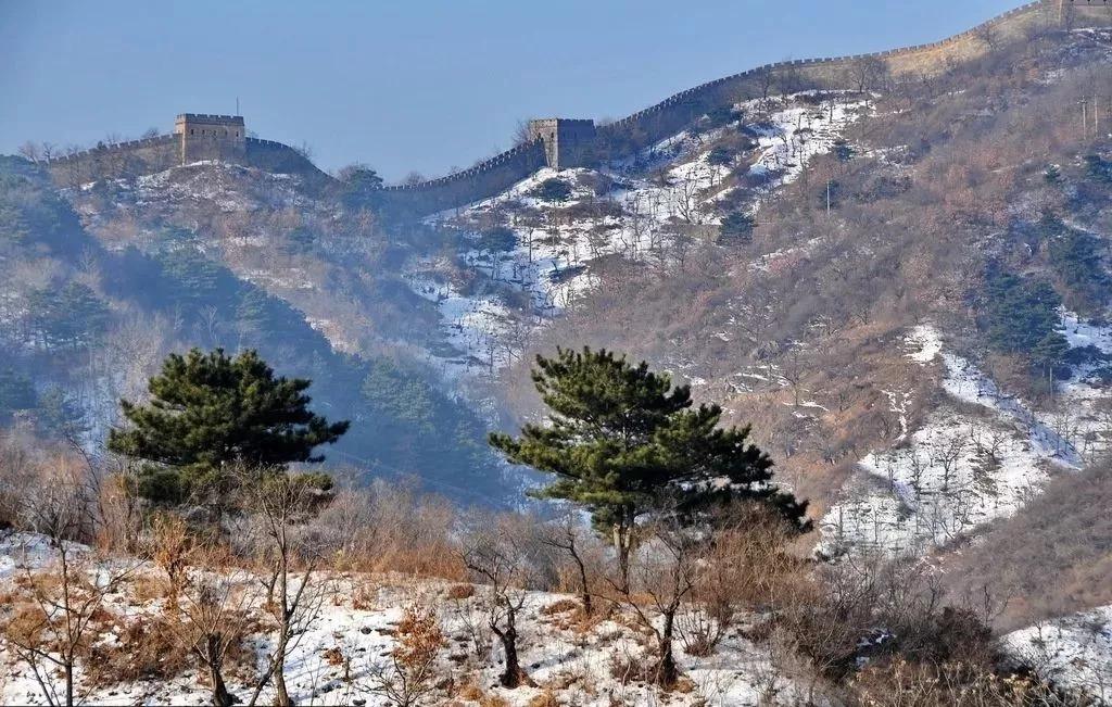 但是,雪后的长城,如果只能有一个词形容,那就是壮美.