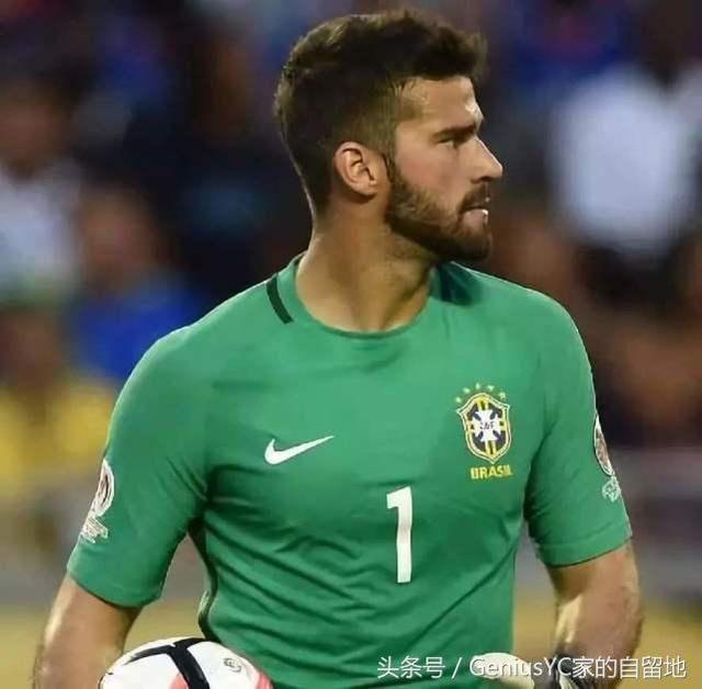 """比内马尔更受欢迎的巴西""""小弟""""门神阿里森贝克尔"""