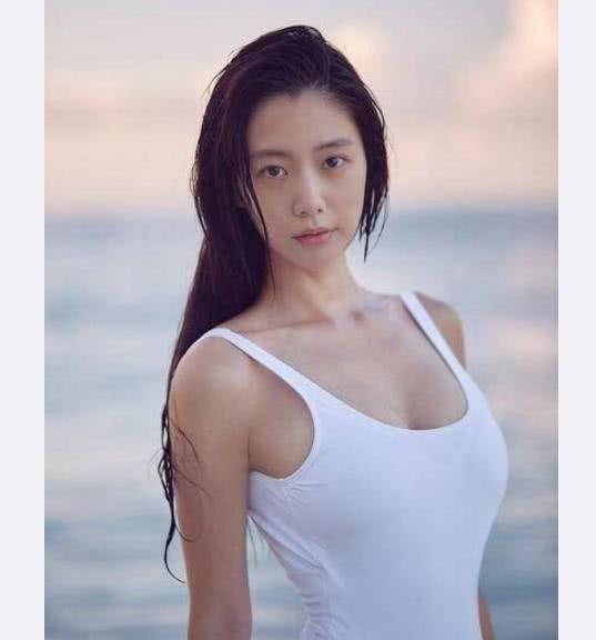 李成敏第一美,前挺后翘,有肌肉的女人