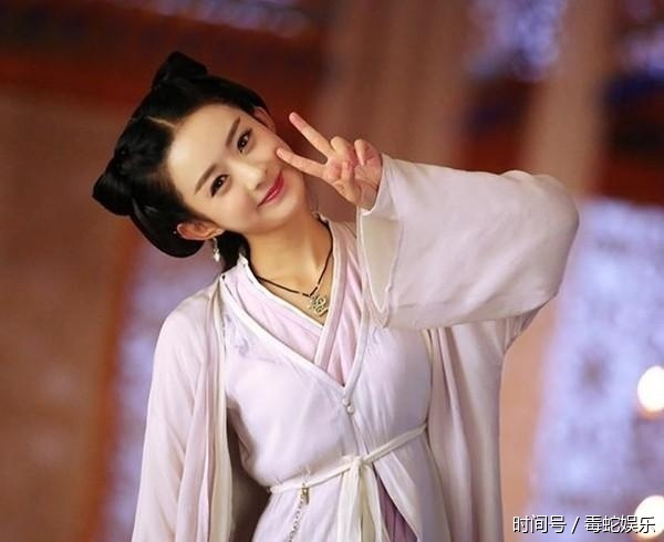 在剧中赵丽颖的造型就是各种可爱风,说它是赵丽颖古装剧中最美的,你服