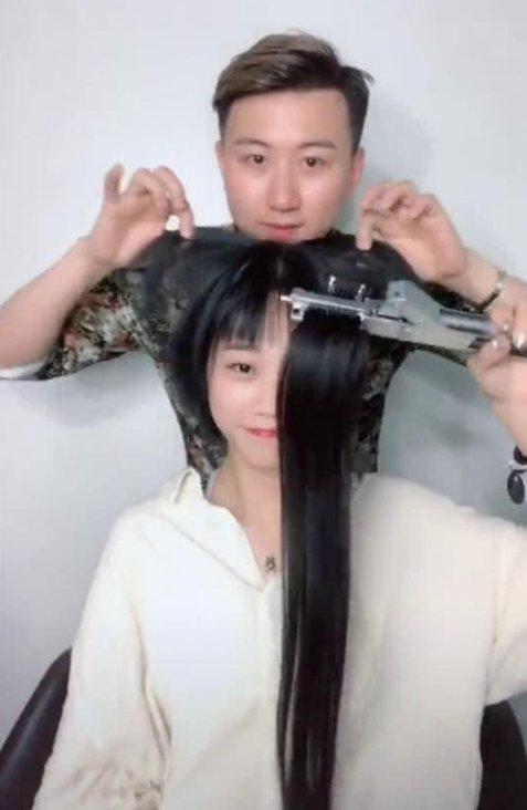 姑娘失恋剪了长发,剪完就后悔了,理发师给她接回长发秒变小嫂子