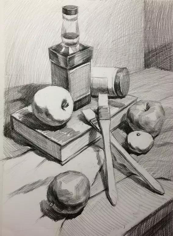 3,确定以及区分画面的空间关系,素描关系以及物体的体积感也要在这一图片