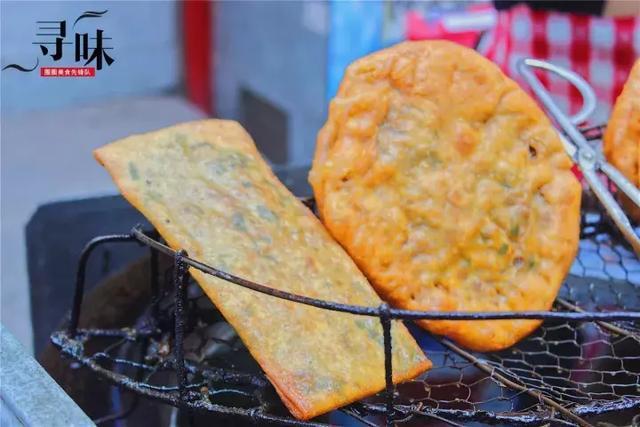 这家路边的夫妻煎饼摊,在南昌珠宝街做了17年,有人一买就是40个