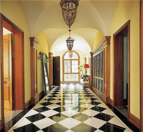 拼花地砖装修效果图一   黑白交替的拼花地砖让玄关风景更加迷人