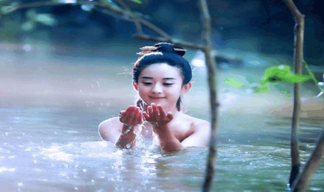 镜头中电视洗澡的美女,原来是这样拍的,美女:被红嘴巴网友图片