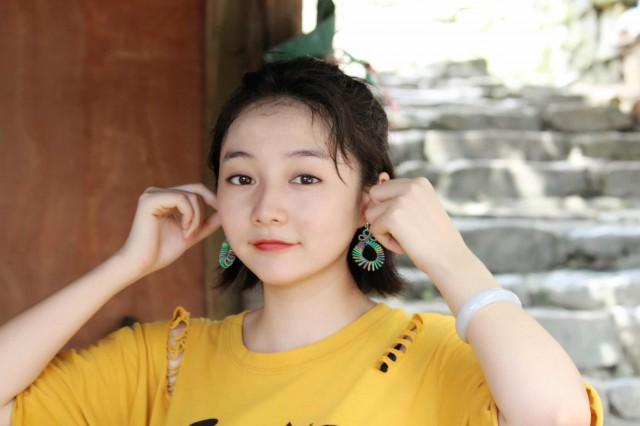 发型适合中分气质齐耳显示发型女生圆脸立夏的魅力叫什么短发图片