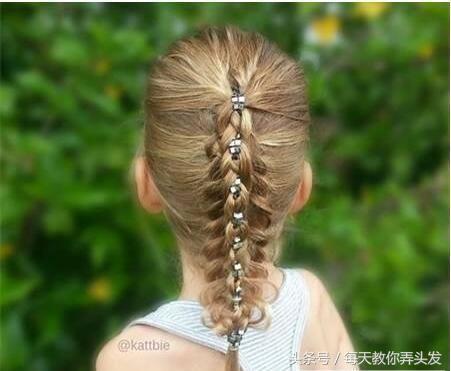 27种小女孩扎头发好看编发发型!