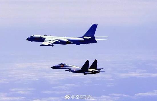 顺序播改f�j_2架台军f-16战机与解放军战机近距离对峙画面播出