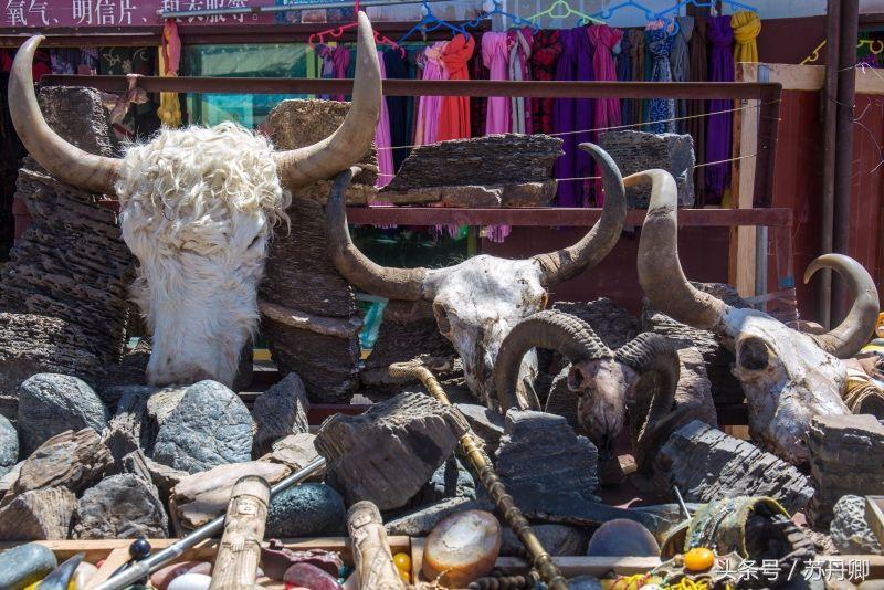 西藏景点景区的纪念品不要随意询问,藏族人的面条美食城在里怎么样怎么样卖图片