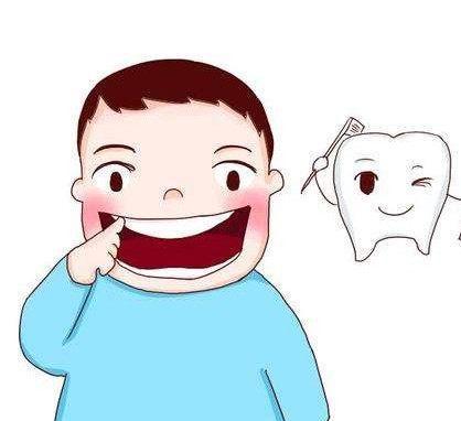 家长可为孩子转用大一号的牙刷,并让他于每天起床及晚上睡前学习自己