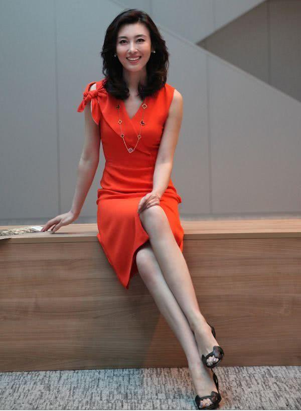 2010年6月,主持第二届《海峡论坛》.