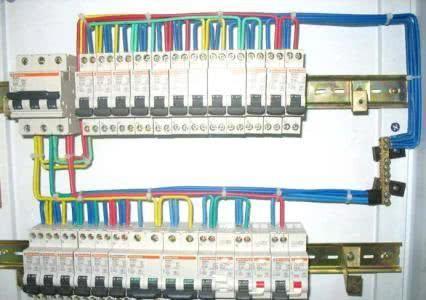 水电装修时,配电箱的漏电开关一定要这样装,好在早发现!