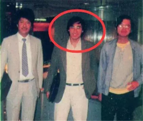 萧若元_70年代末被萧若元邀请到丽的电视台担当编剧工作,《贼赃》《名剑》都