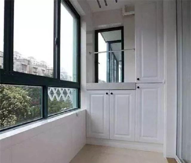 阳台按照结构分,可以分为墙承式,挑梁式,挑板式,每种结构图片