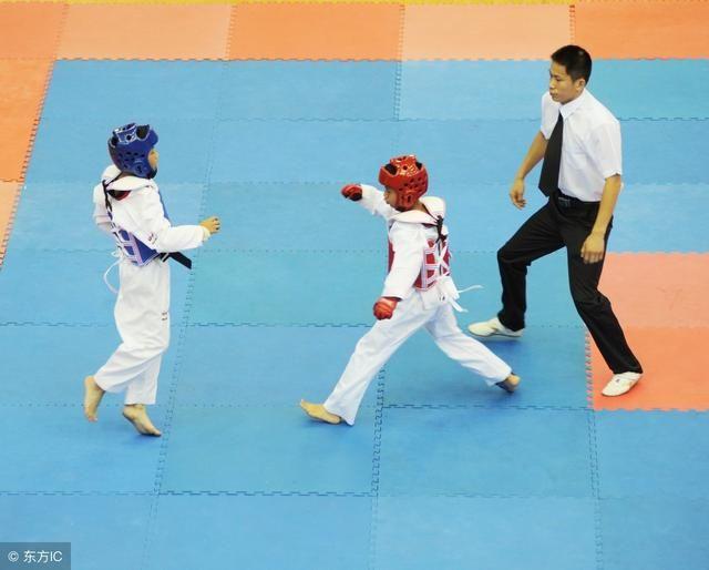跆拳道横踢技术动作重心不稳,怎么去控制,小编教你一招