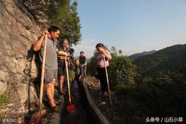 贵州八旬年时想喝山谷高中里的水,用36小河间议论文的我老人眼中图片