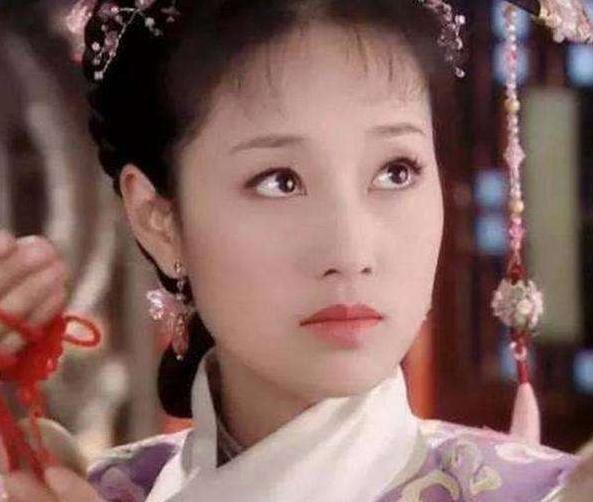 马伊琾,1976年6月29日出生于上海市虹口区,祖籍江苏省南通市如东县