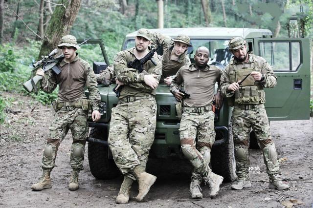 国际雇佣兵组织_要钱不要命的国际雇佣兵,在非洲是\