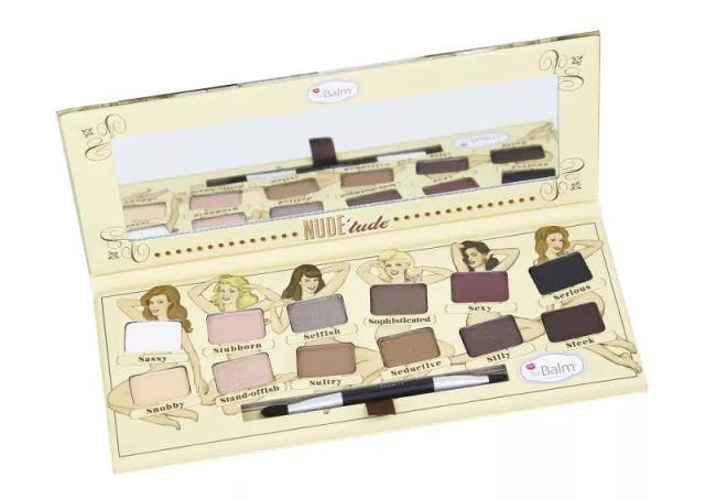 睫毛膏:先用睫毛夹三段式夹睫毛,然后再涂上睫毛膏.图片