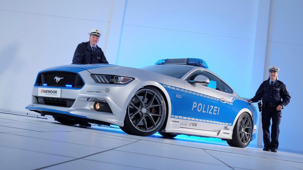 福特野马变身德国警车 亮相 2016埃森改装车展
