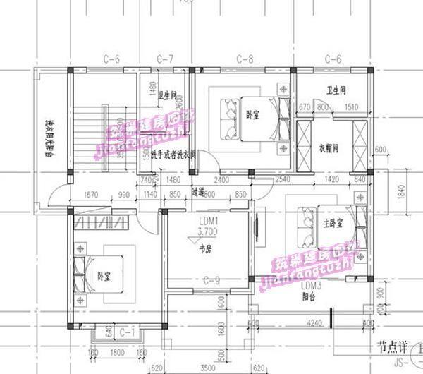 3平方米 平面布局图: 一层设玄关,客厅,餐厅,厨房,老人房,楼梯间,卫生图片