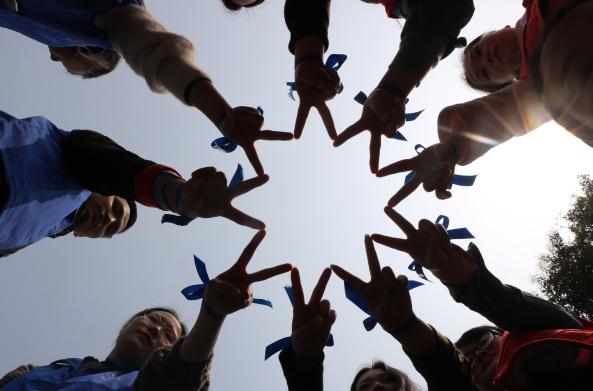 系上关爱,让爱飞翔 ——关爱自闭症儿童走进成都理工公益活动