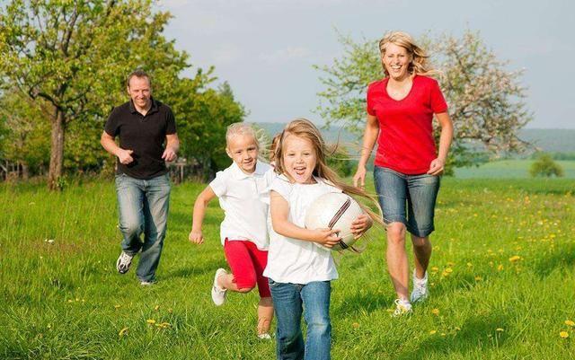 让孩子长高?抓住孩子草原猛长期春季熹妃传冬天到身高打猎赛马图片