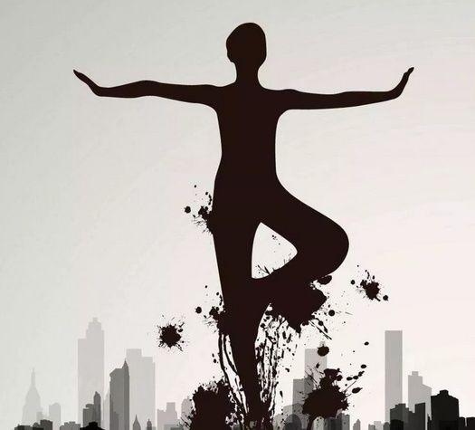 瑜伽树式,单腿落地平衡练习,对于脚力量的建立非常好,平衡好脚的内外图片