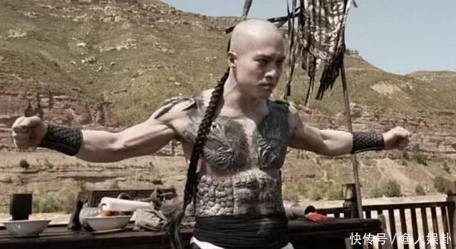 甄子丹的盲僧,安志杰的纹身,功夫大佬特殊造型,他像巨婴