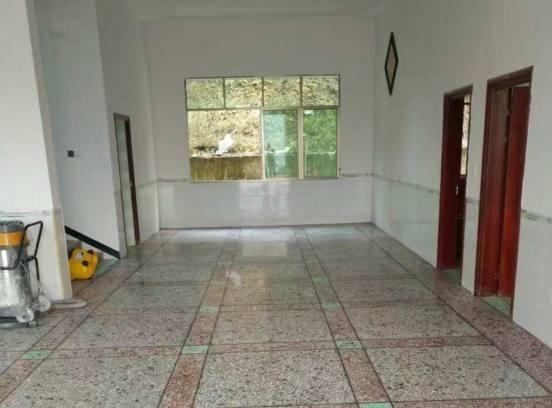越来越多人客厅地面都铺水磨石,比瓷砖好十倍,后悔家里装早了