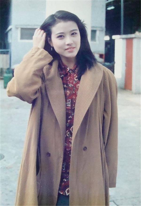 看完51岁周海媚和62岁刘晓庆近照,网友:真嫩还是装嫩