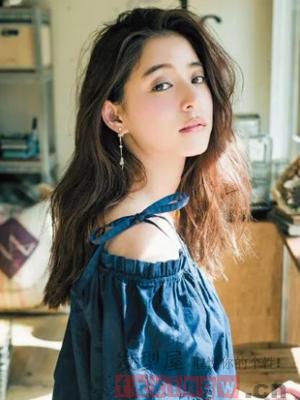 韩国女生烫发 女神首选发型
