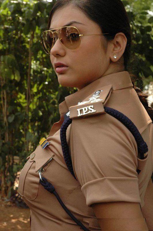 直击印度最菊花警察美女把爆被美女gif图片
