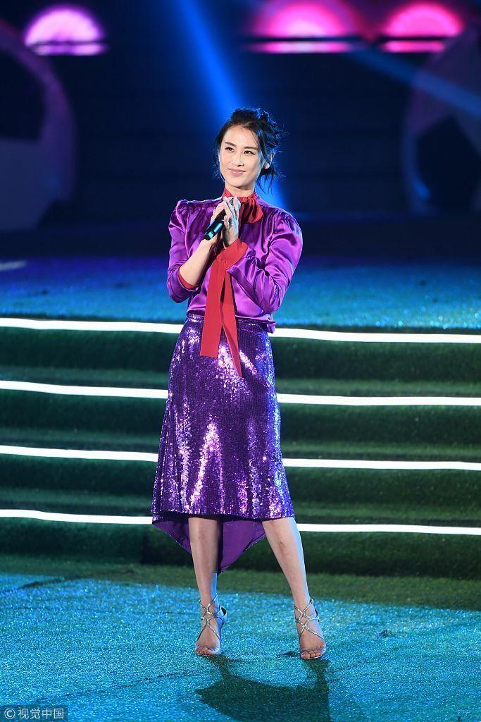 黄圣依短发配紫裙,任家萱粉嫩助阵世界杯 刘谦,张凯丽
