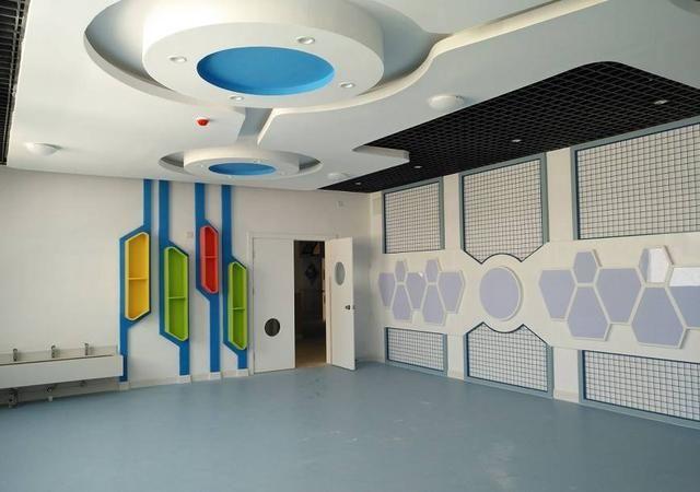 学校展示墙设计图片