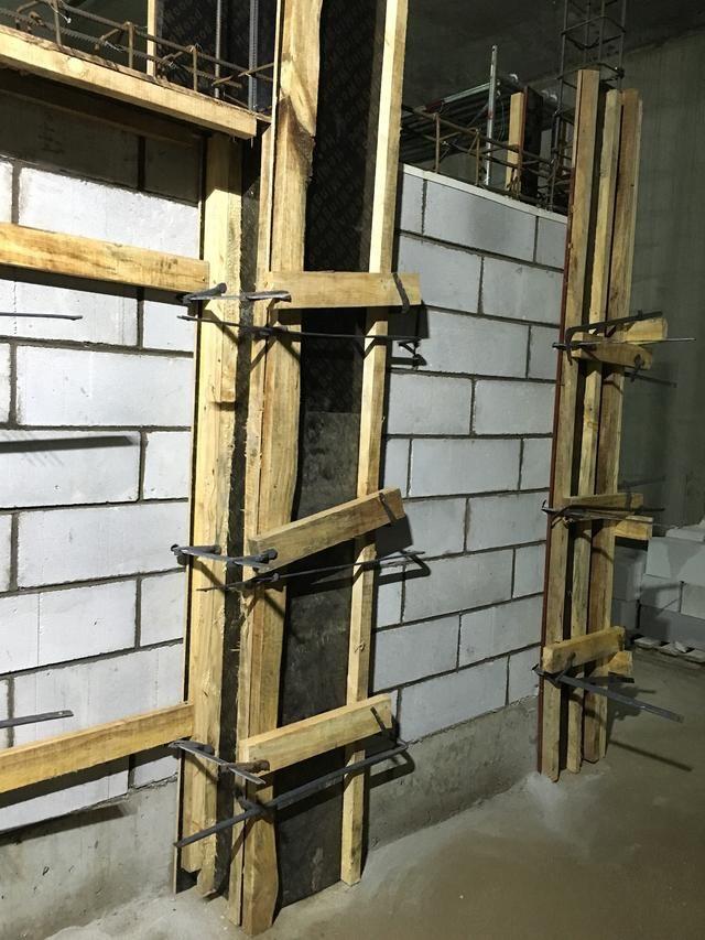 墙体砌筑(加气块),构造柱模板安装和圈梁钢筋绑扎