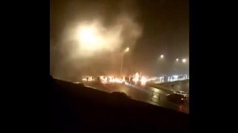 苏州虎丘打架烟花疯传数十人斗殴放视频主全景视频图图片