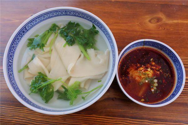 青川美食杨凌蘸美食:水面论根卖,汤、面要分开木鱼镇面条陕西图片