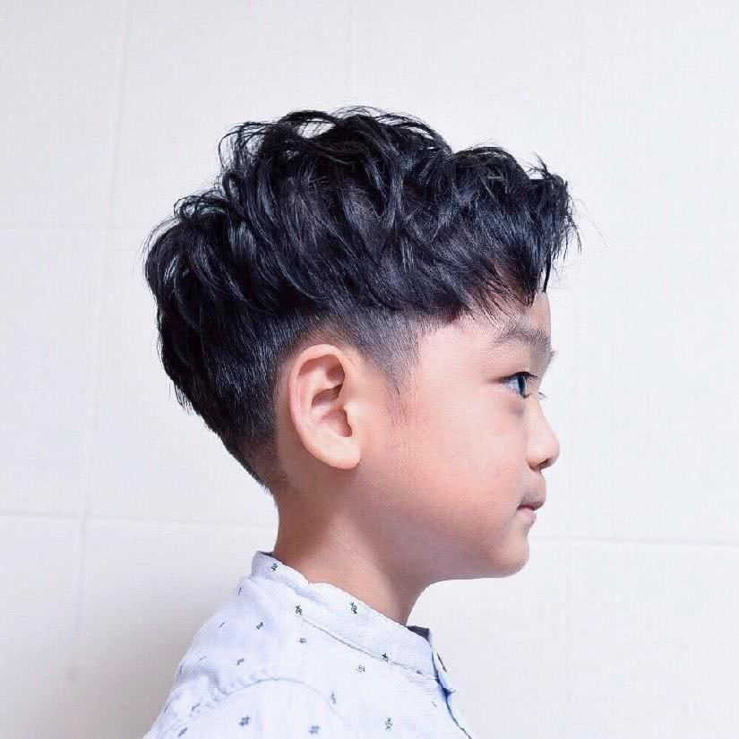 萌娃来袭!男孩儿童发型特辑图片
