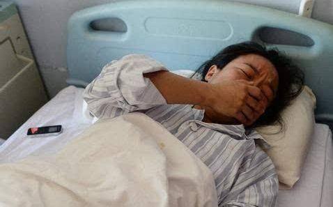19岁少女坚持与白化病患者结婚生子,当孩子生下却懵了图片