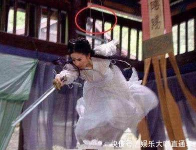 不过杨幂被绑的这么紧,真是为她打抱不平啊,不过懂行的人都已经知道这