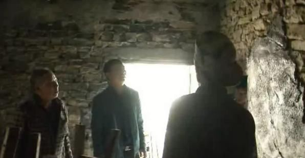 贵州这名扶贫干部,带着父亲去驻村2007pccad教程安装图片
