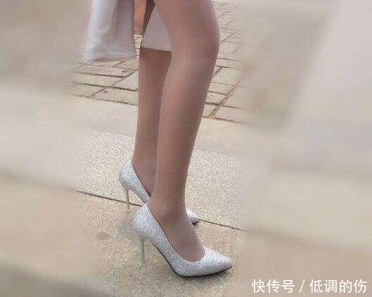 当前位置:女王用高跟鞋踩仆人的脸的图片大全图片