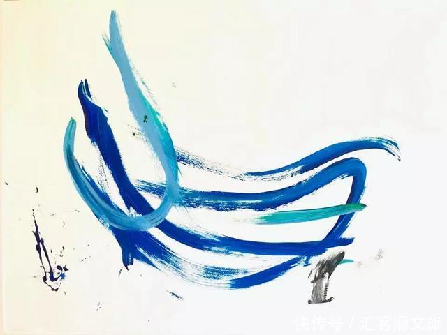 它被主人救出来后就开始画画,一张画27000人民币,人称猪加索.
