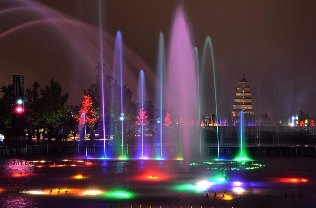 西安大雁塔北广场喷泉-北京时间