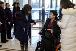 市人大代表坐轮椅报到:自由出行是残疾人最大的心愿